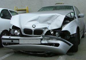 Auto Accident(自動車事故)