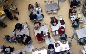 アメリカ企業の従業員食堂
