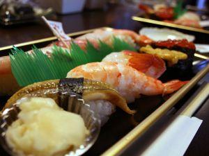 あの~、あなたお寿司食べに来てるんですよね?