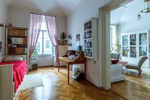 bedroom-527645_1280